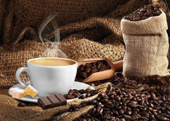 Dumanı Üstünde Türk Kahvesi